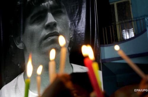 Огромные очереди и беспорядки: Аргентина в последний путь провожает Марадону