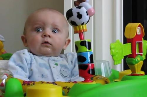 74 миллиона просмотров: реакция малыша на мамин насморк удивила Сеть. ВИДЕО