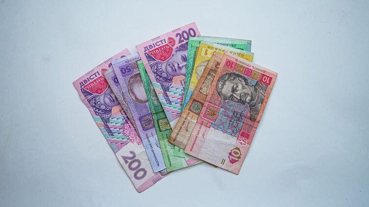 Кабмин перенес дату выплаты ФОПам 8 тысяч гривен