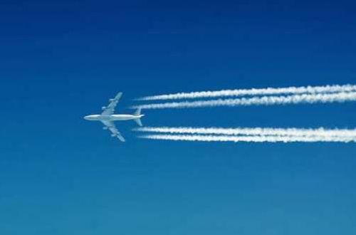 Пассажиры выпрыгнули из взлетающего самолета: никто не пострадал, но испугались все