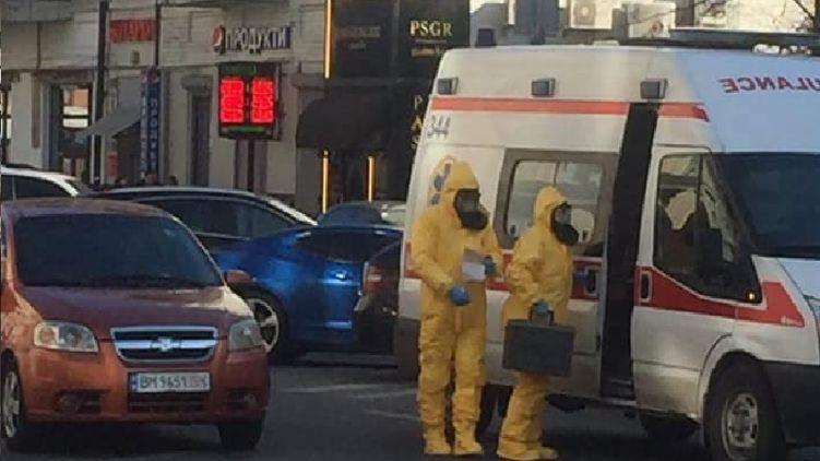 Скорая едет часами, в больницу попасть трудно: что происходит в Киеве на фоне COVID-19