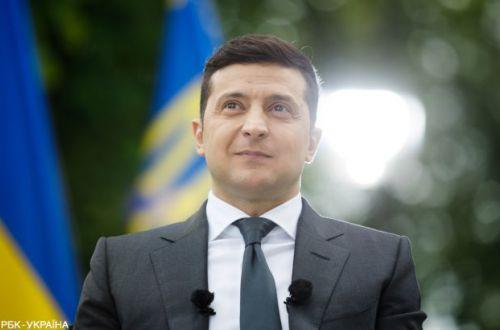 У Зеленского решили выяснить, кто и украинцев уже вакцинировался от коронавируса
