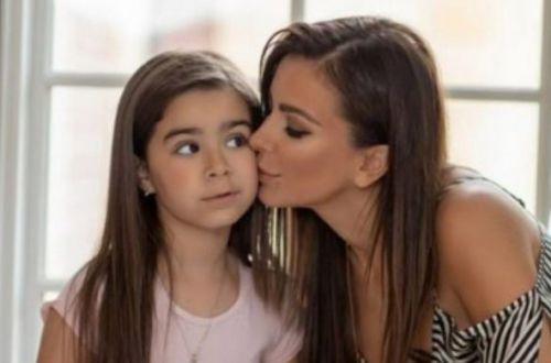 Как на мать похожа! Лорак показала дочку у новогодние елки. ФОТО
