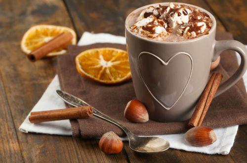 Натуральные добавки, которые сделают ваш кофе более полезным