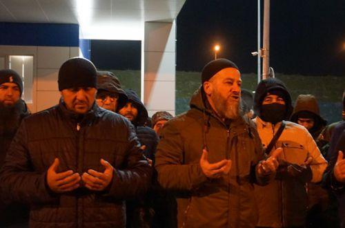 Крымских активистов кошмарили всю ночь на Керченском мосту