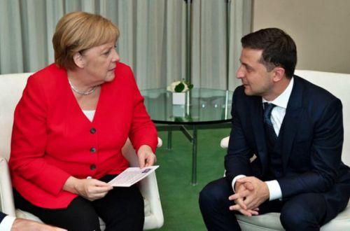 Зеленский пожаловался Меркель на отсутствие прогресса по Донбассу