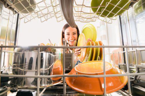 Названы типичные ошибки в использовании посудомойки