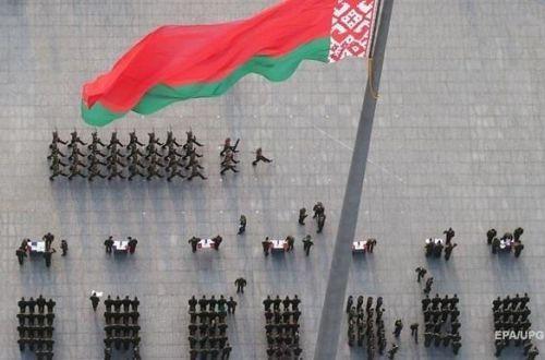 Бацька внезапно решил проверить на боевую готовность белорусскую армию