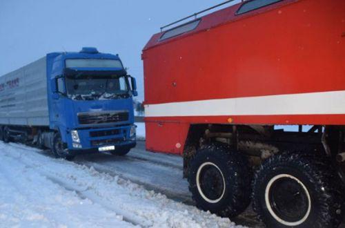 На Николаевщине в снежную ловушку попали более сотни грузовиков