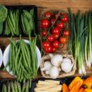 Кому нужно обязательно включить в свой рацион растительную пищу
