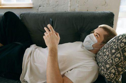 Двойная защита: назван тип маски от COVID-19, которую не следует надевать на другую