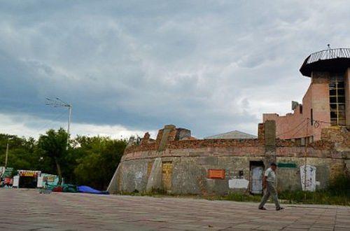 Проснулся, улыбнулся — помолись: крымчанам под дом свозят гробы. ФОТО, ВИДЕО