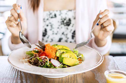 Медик назвал самые полезные для женщин продукты