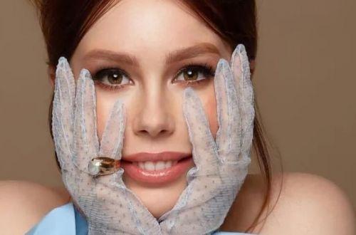 Соня Плакидюк похвалилась пышными формами в фотосессии для Playboy
