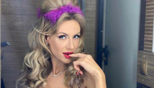 Леся Никитюк без макияжа показала, как ее меняет косметика