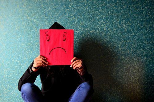 Какого гормона не хватает при чувстве тревоги и бессоннице