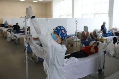Должно переболеть полстраны: мрачный прогноз по смертности от коронавируса в Украине