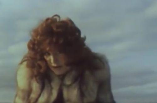 В Сети появился запрещенный в советское время видеоклип Пугачевой