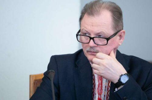 Образовательный омбудсмен просил выписать ему премию из госбюджета за розданные комментарии и интервью