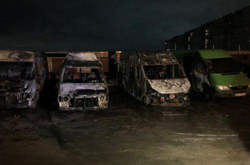 В Харькове за ночь сгорели четыре маршрутки
