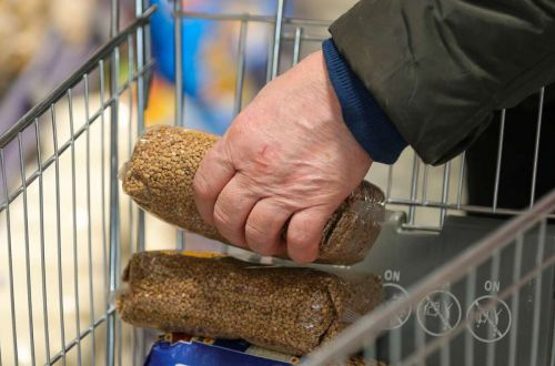 В Туркменистане попали под запрет очереди за продуктами