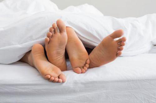 Эксперт рассказала, помогает ли интимная жизнь при простуде