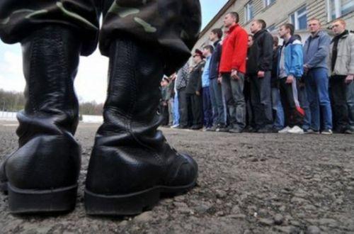 Російські окупанти судитимуть трьох кримчан за відмову служити в армії РФ
