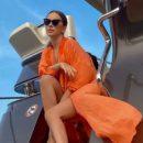 Ани Лорак свела с ума пышными формами, сбросив лишнюю одежду