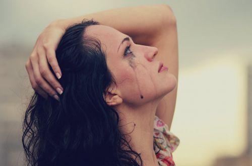 Ученые объяснили, почему слезы полезны для здоровья