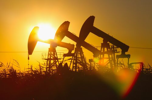Нефть дешевеет из-за влияния кибератаки на нефтепровод на американские НПЗ