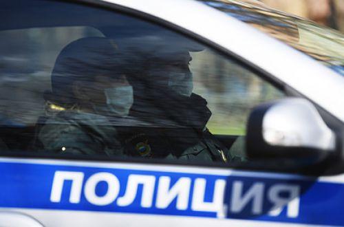 В одном из вузов Москвы разразился секс-скандал со студенткой и преподавательницей