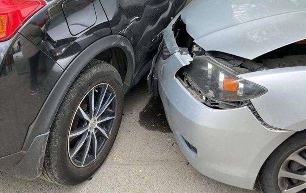 В Днепре водитель Mazda скончался за рулем и попал в ДТП