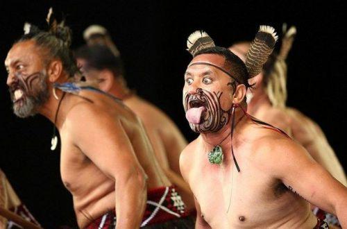 Боевой ритуальный танец исполнил в парламенте злой депутат-абориген. ВИДЕО