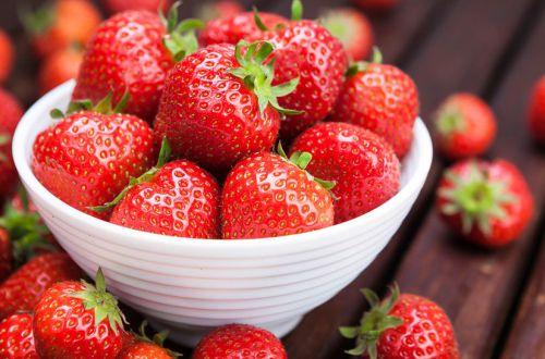 Клубника: как правильно выбирать и хранить эту ягоду