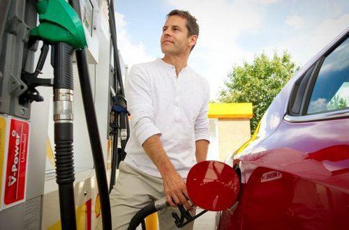 На АЗС уже ажиотаж: водители запасаются бензином А-95 и дизелем