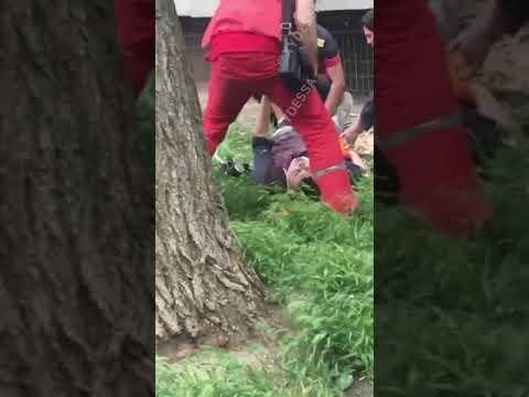 В Одессе альпинист сорвался с восьмого этажа. Видео