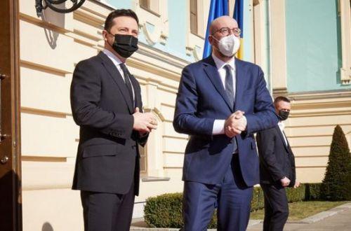 Зеленский потребовал составить прогноз по COVID-19 в Украине осенью