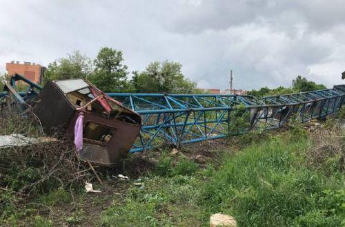 В Черновцах рухнул кран на стройплошадке: есть пострадавший