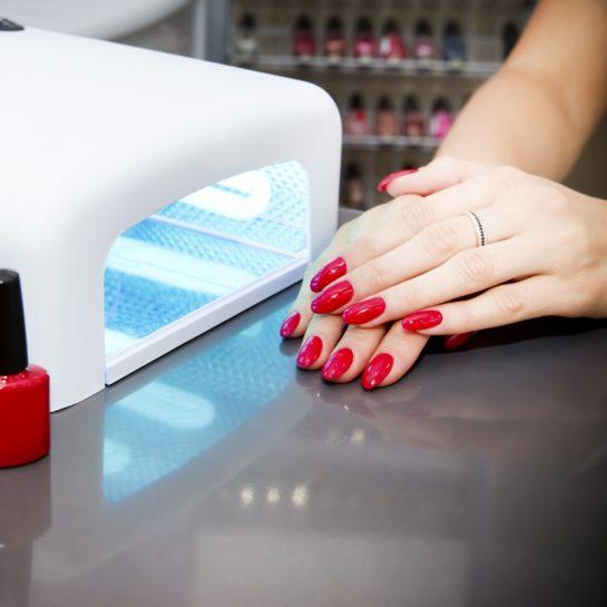 Широкий ассортимент продукции для маникюра, педикюра и наращивания ногтей