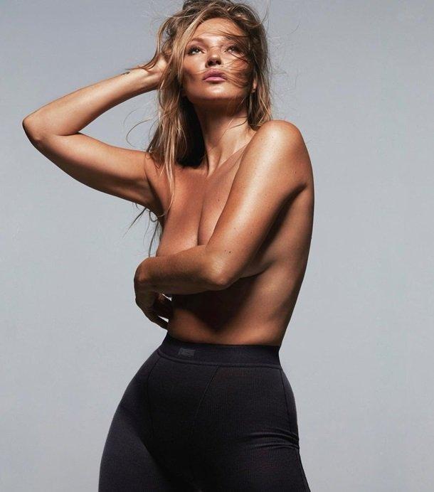 Кейт Мосс снялась без одежды для рекламы бренда