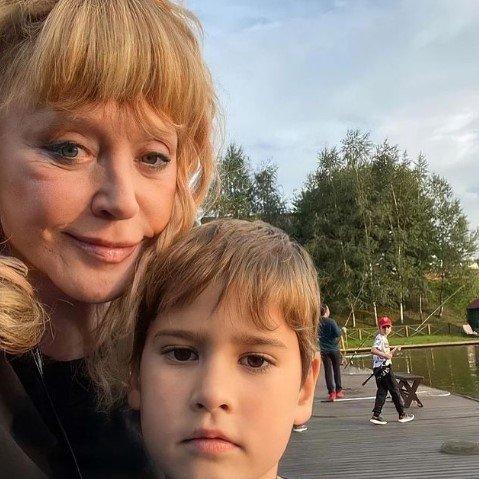 Старость – не радость: новое селфи Пугачевой ужаснуло ее фанатов