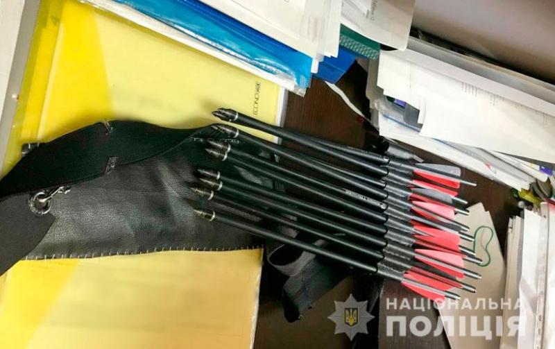 В Полтаве женщина устроила в школе стрельбу. ФОТО