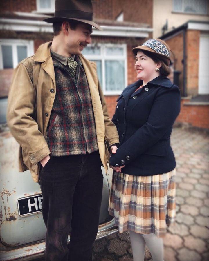В сети популярна супружеская пара, которая живет в стиле 1930-х. ФОТО